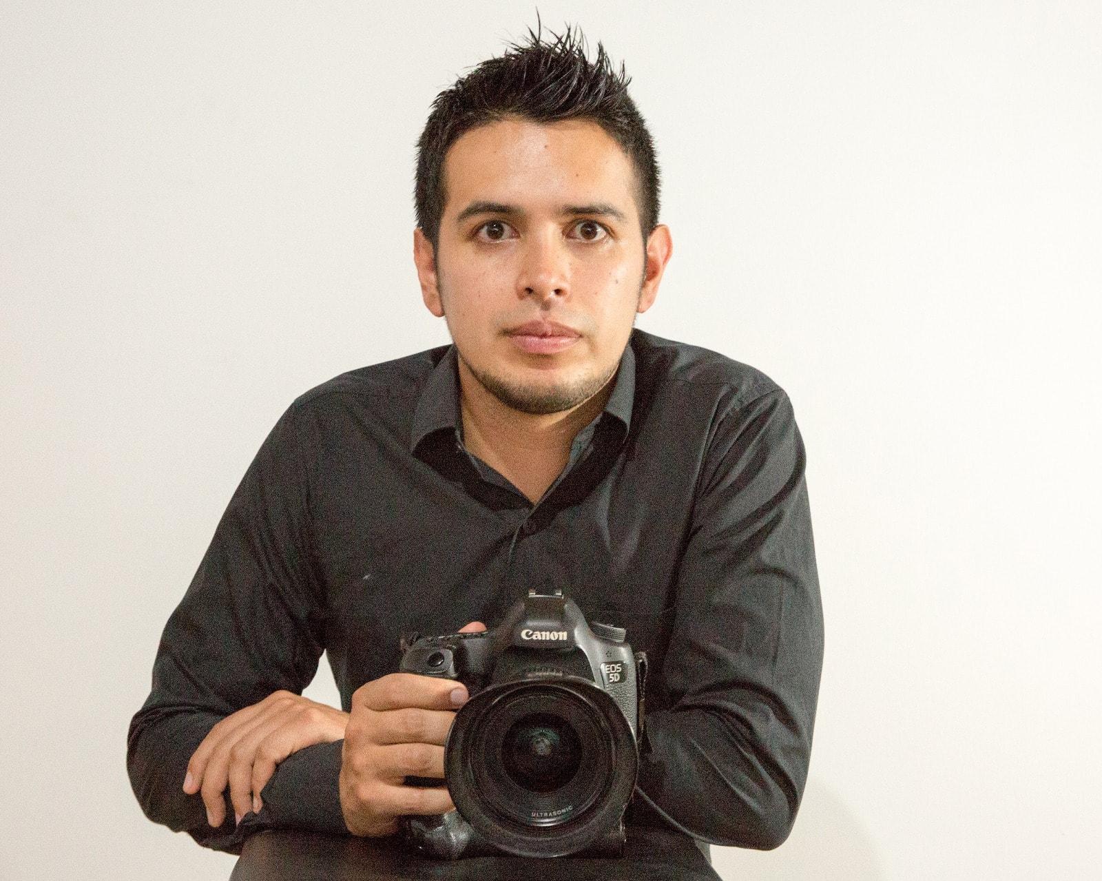 Andrés Sandoval fotografía la portada para Forbes Colombia